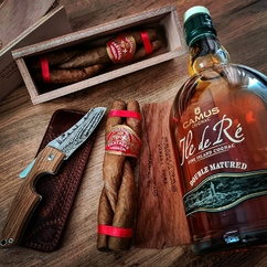 Single blade, double matured and triple cigars. Different ways to win in its own category 🗡🥃🍂😉 ▫ Repost @ralfster91 Partagas Culebras🇨🇺 - Camus Double matured🥃 - - -